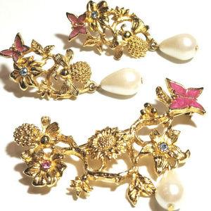 Vintage Avon Brooch Earring Set Flowers Butterfly